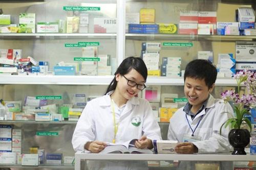 Dược sĩ là ngành nghề đóng vai trò quan trọng trong xã hội
