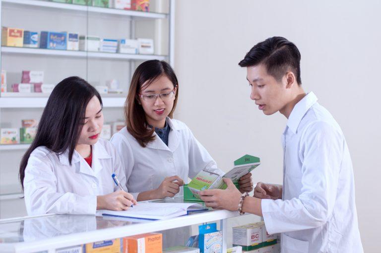 Tương lai rộng mở cho những bạn học Cao đẳng Dược.